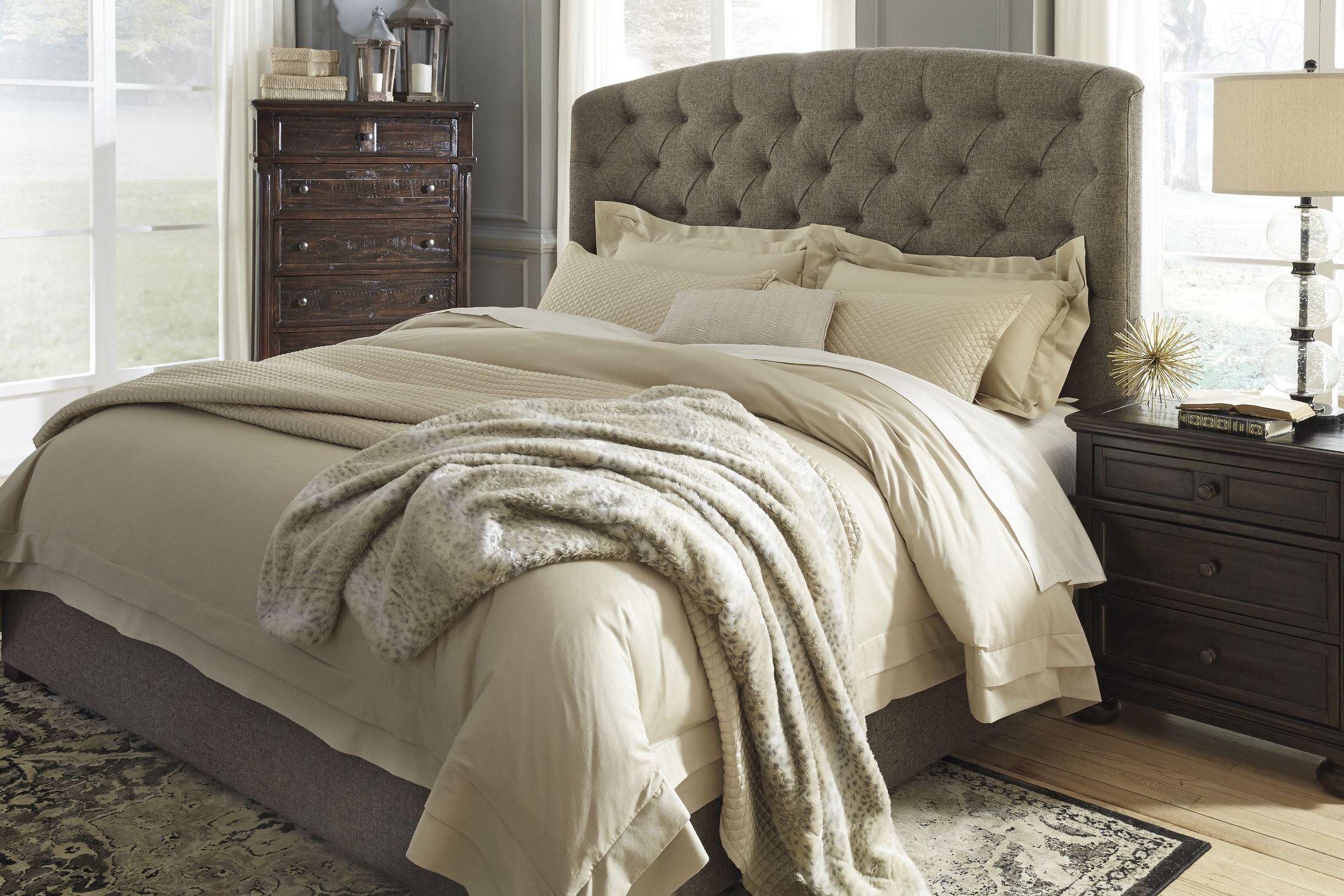 Gerlane Graphite Cal King Upholstered Panel Bed B657 78