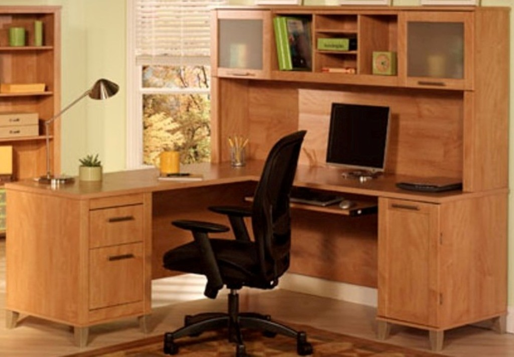 Somerset Maple Cross 60 Inch L Desk With Hutch Wc814730