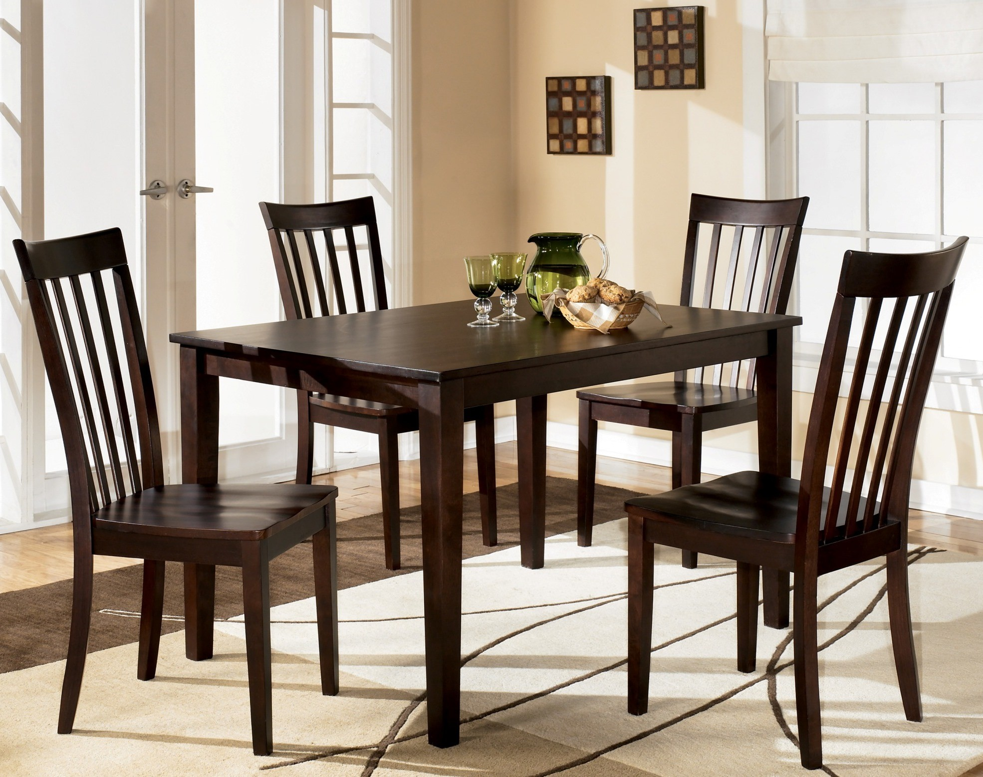 Hyland 5 Pcs Casual Dining Set From Ashley D258 225 Coleman Furniture