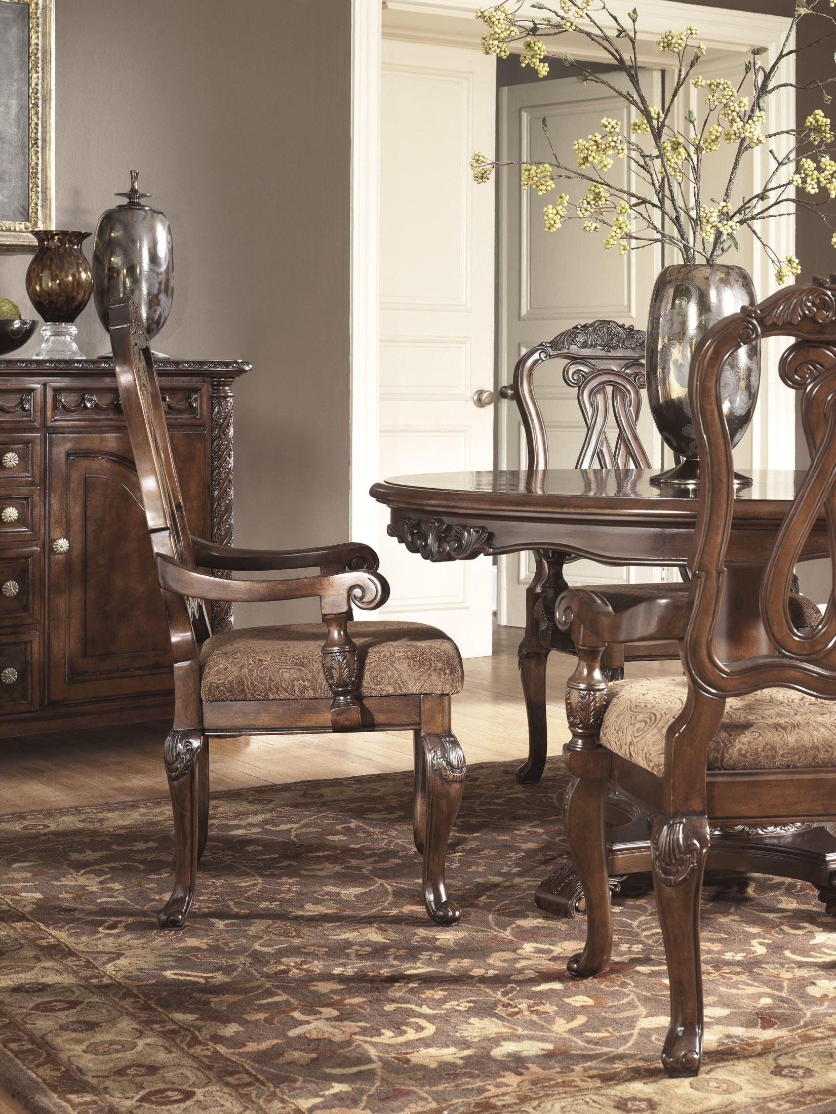 North shore round dining room set