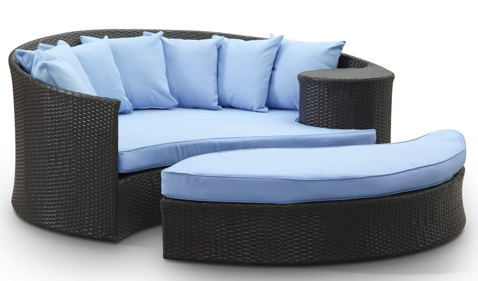 Taiji Espresso Outdoor Rattan Daybed W Ottoman & Light