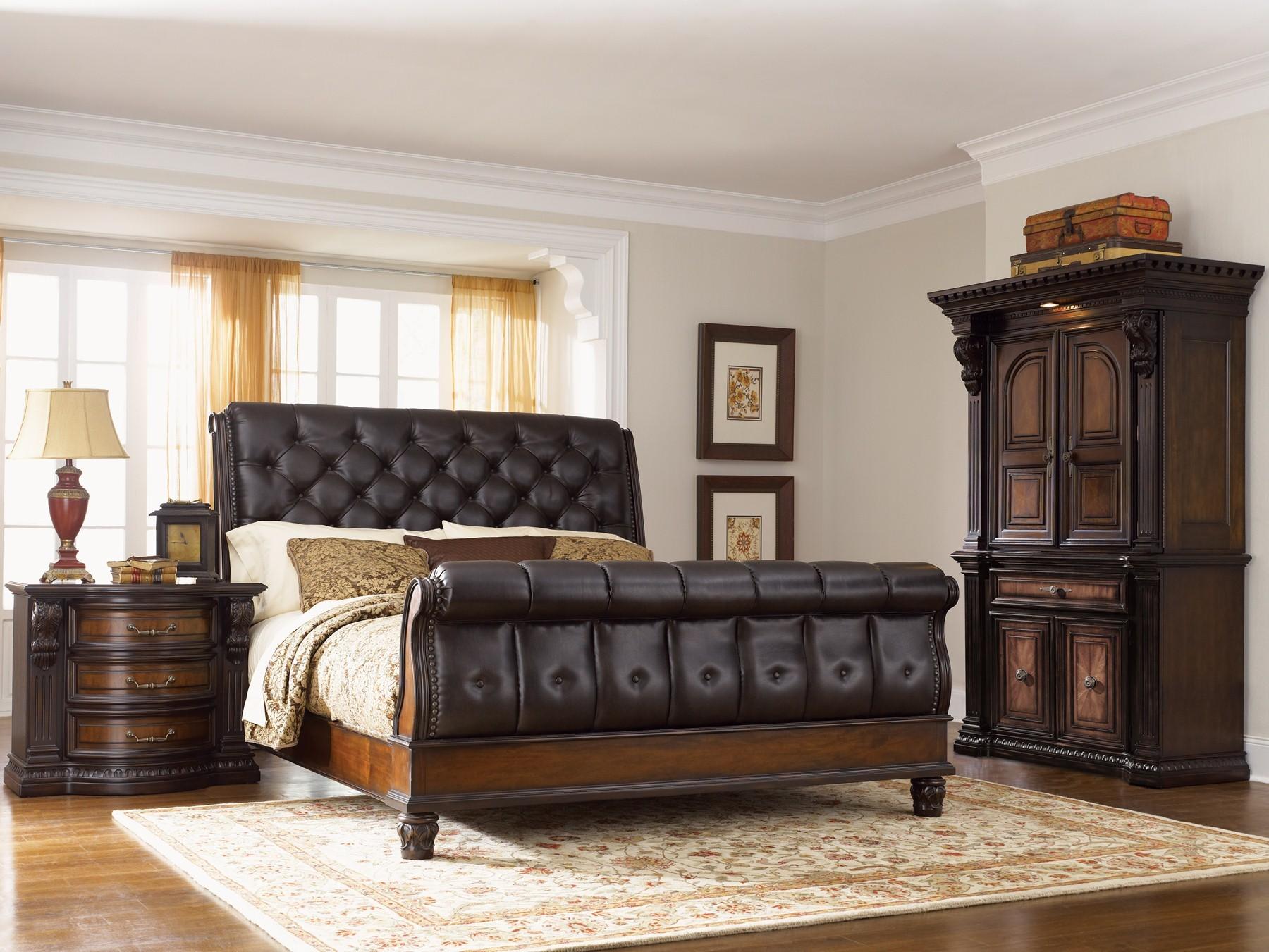 Fairmont Designs Grand Estates Eastern King Sleigh Bed