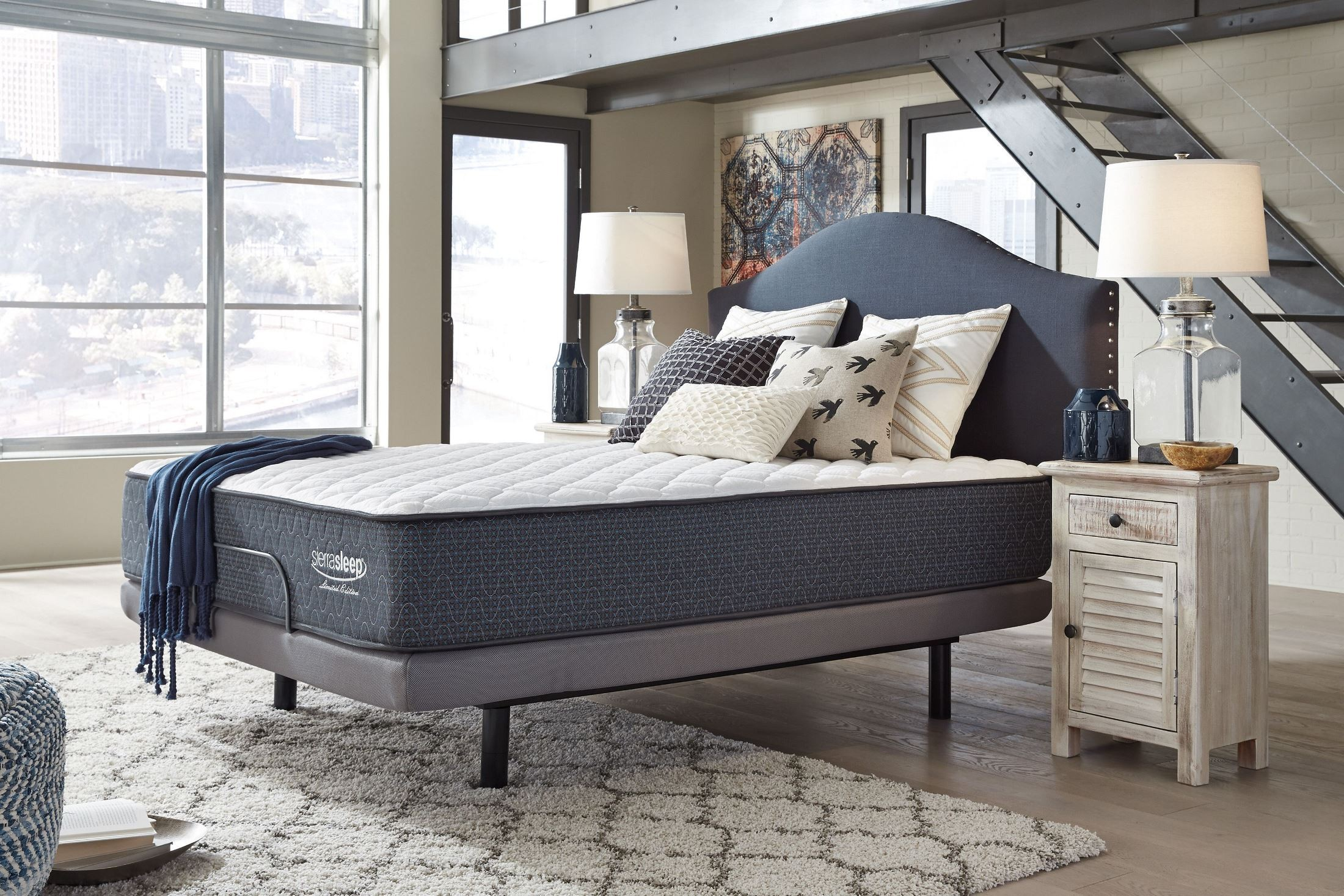White King Adjustable Bed M9x442 M9x442a Ashley