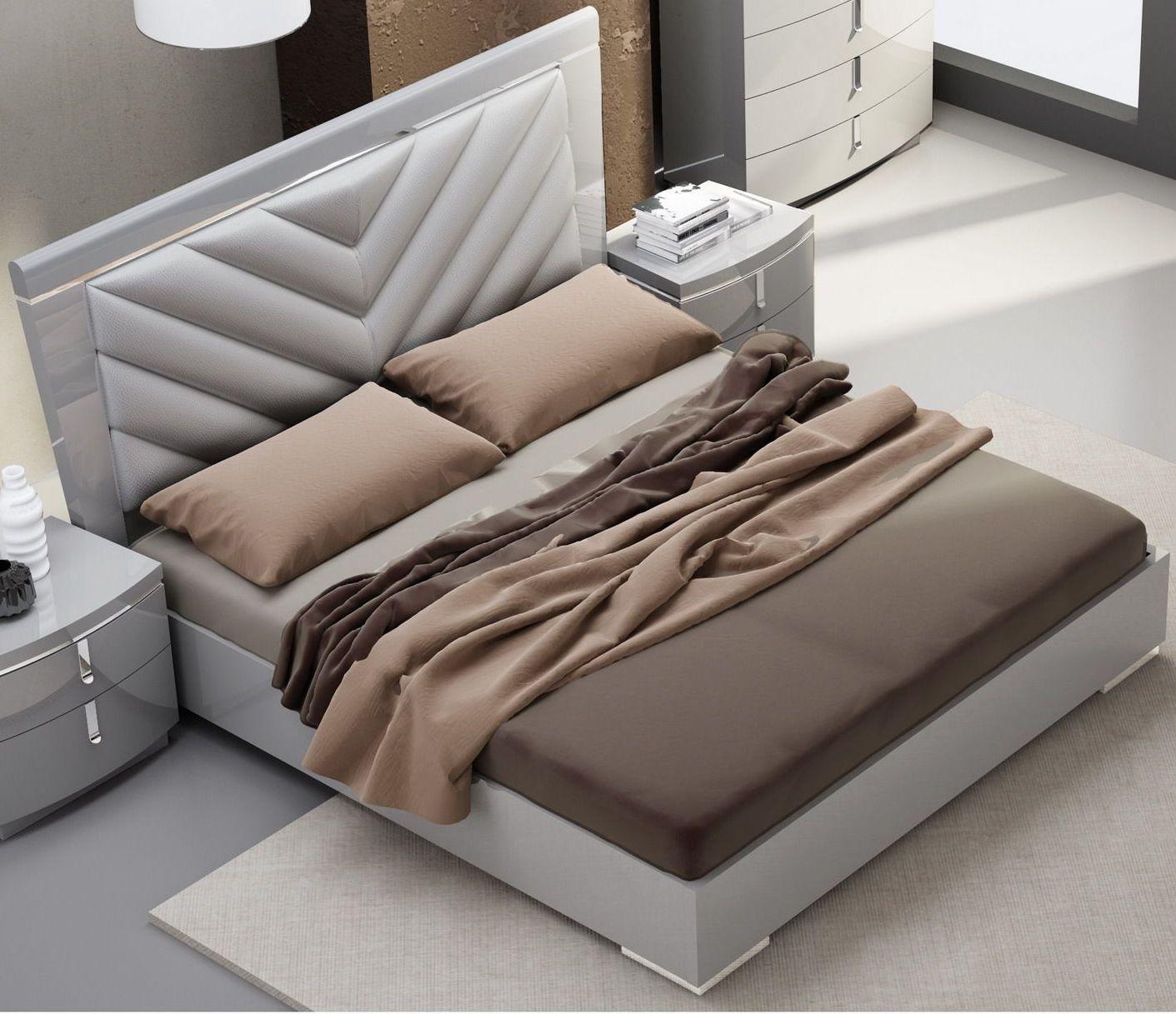 New york gray upholstered platform bedroom set 18215 q j m for Bedroom furniture new york