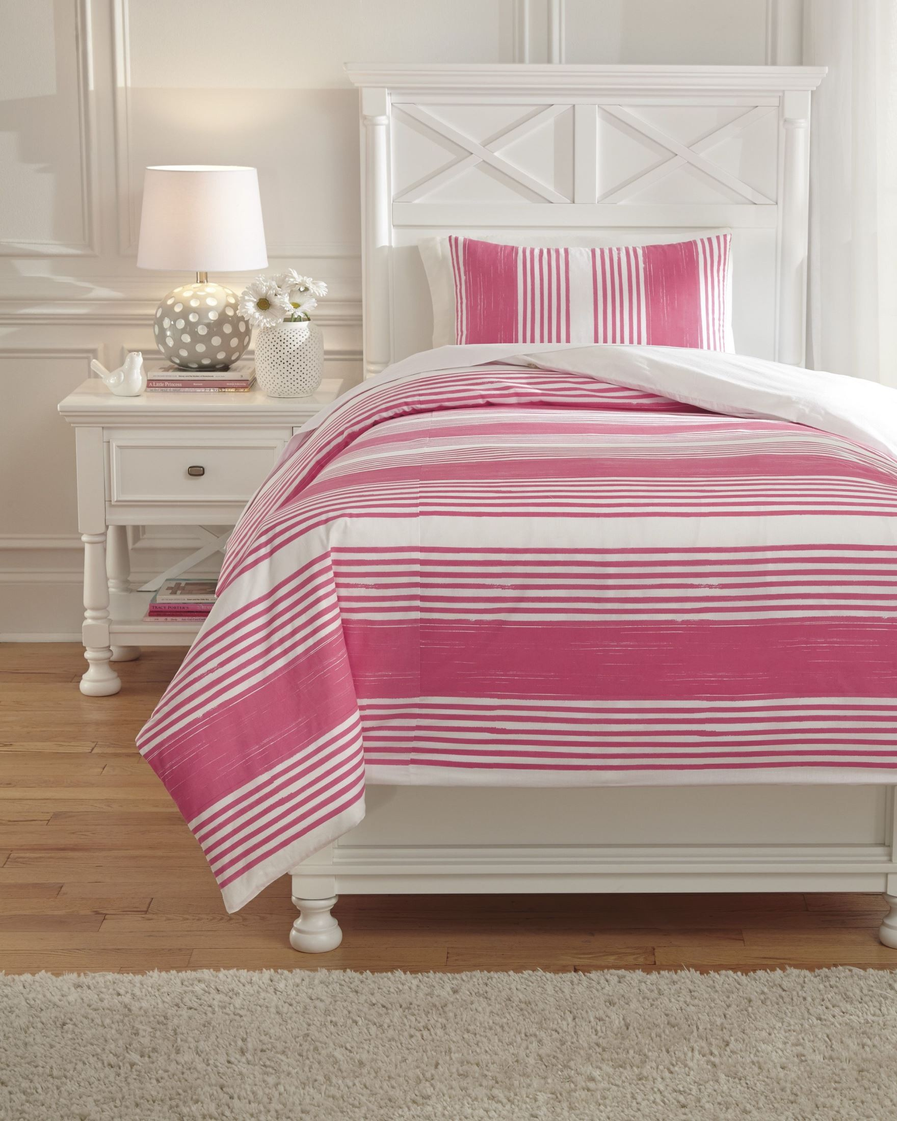 taries pink twin duvet cover set from ashley q729021t coleman furniture. Black Bedroom Furniture Sets. Home Design Ideas