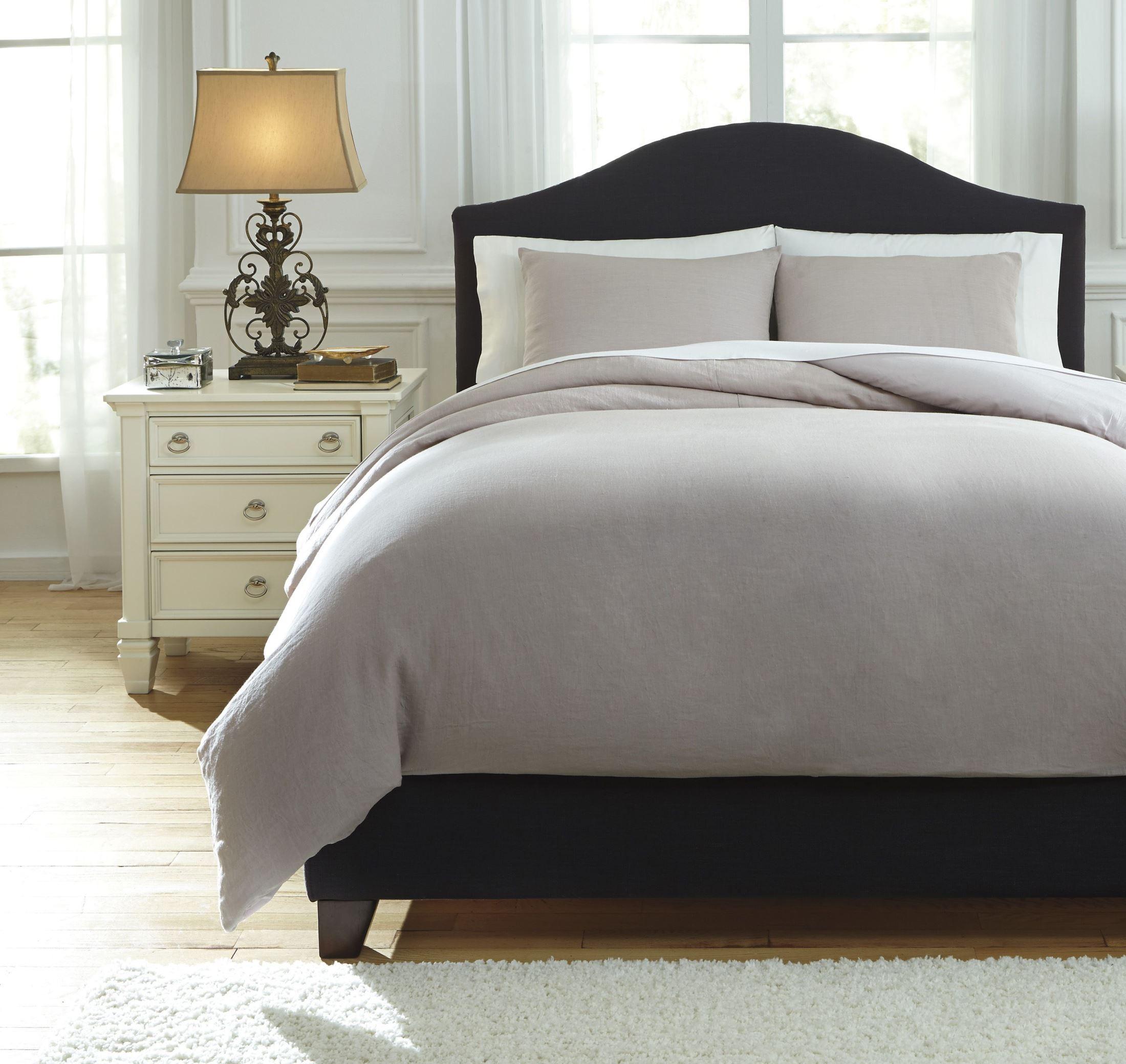 bergden light gray king duvet cover set from ashley q734023k coleman furniture. Black Bedroom Furniture Sets. Home Design Ideas