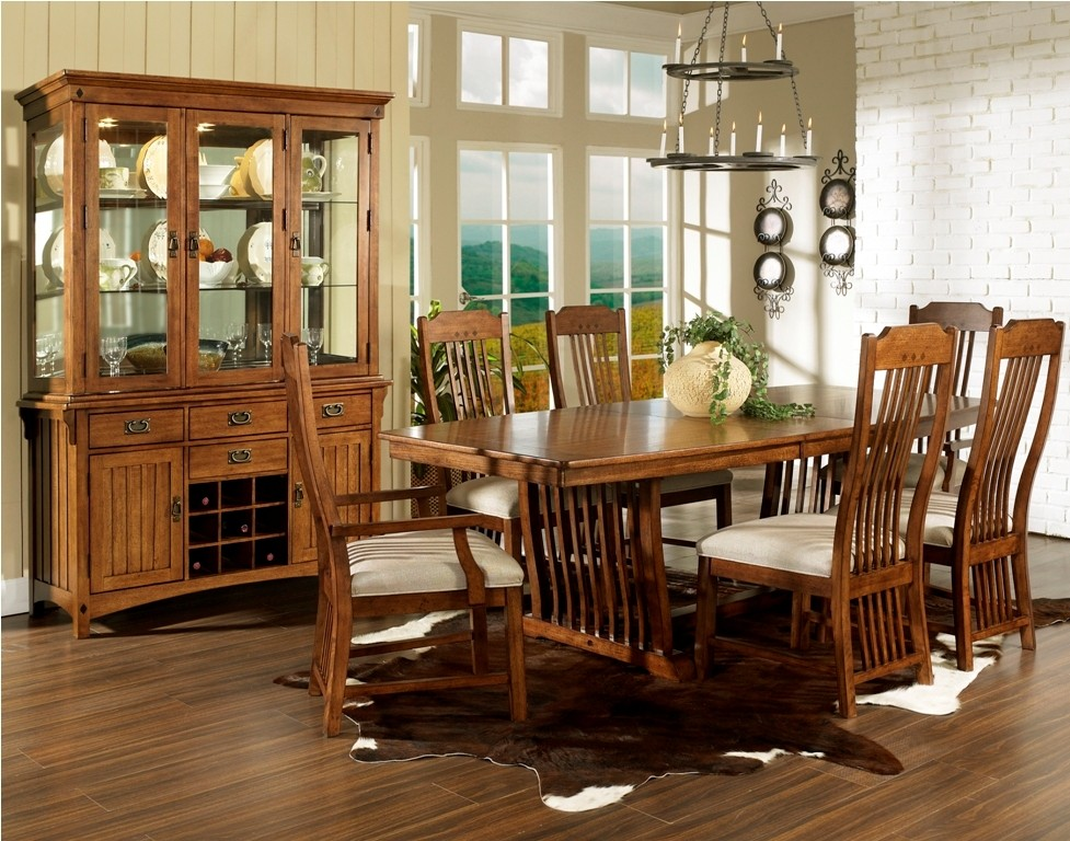 craftsman dining room set from somerton dwelling 417 62 coleman