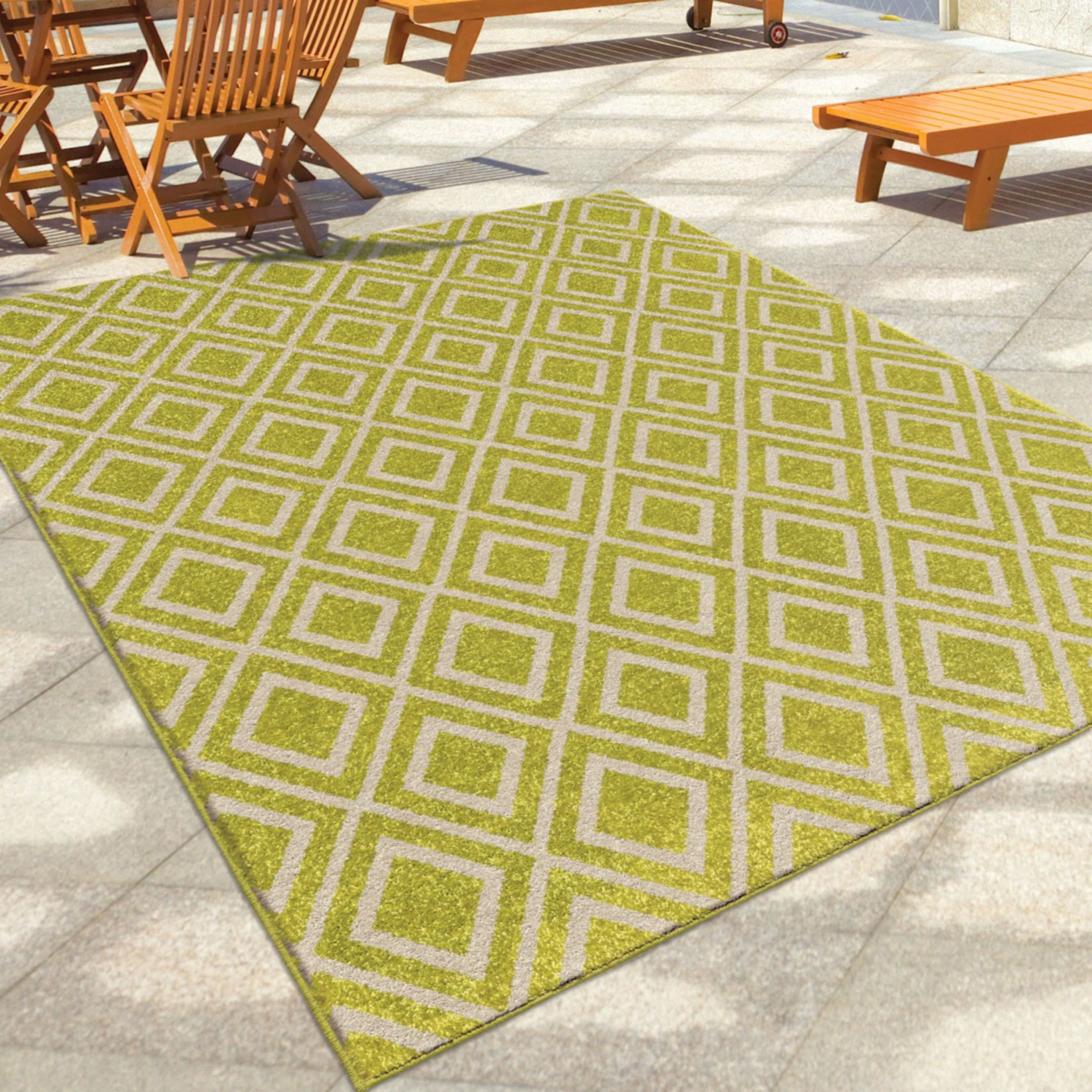 Orian rugs indoor outdoor diamonds trellis green area for Indoor outdoor carpet green