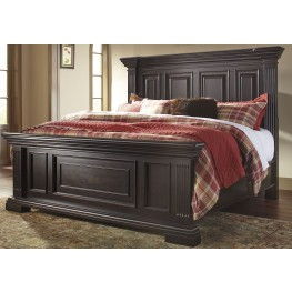 Willenburg Dark Brown King Panel Bed