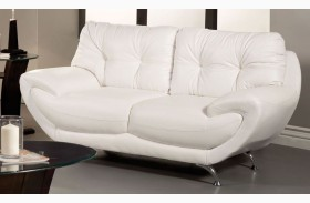 Volos White Loveseat