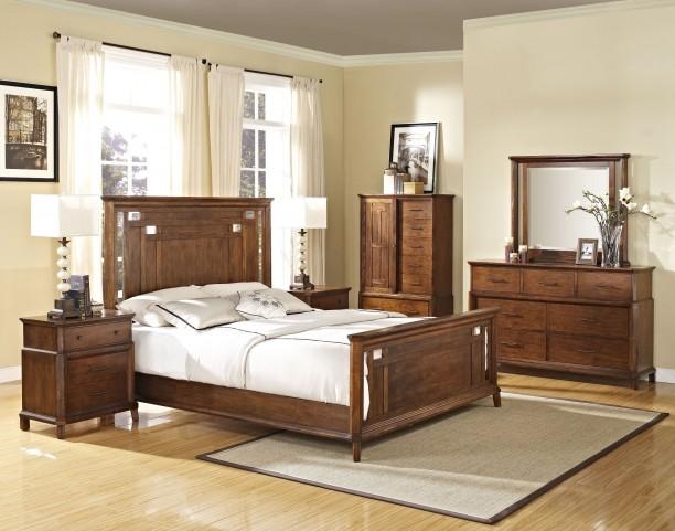 Clark's Crossing African Honey Panel Bedroom Set
