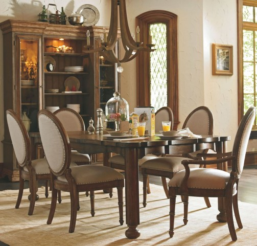 European Farmhouse Blond Farmer's Market Heritage Extendable Dining Room Set