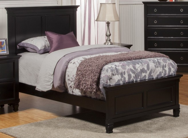 Tamarack Black Full Platform Bed