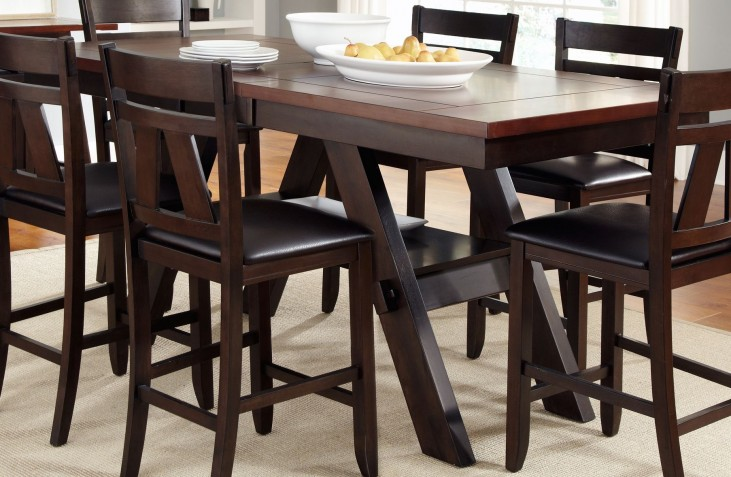 Lawson Extendable Gathering Table