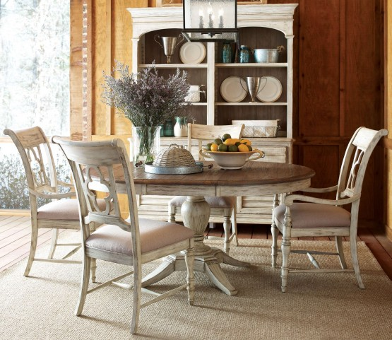 Weatherford Cornsilk Milford Round Extendable Dining Room Set
