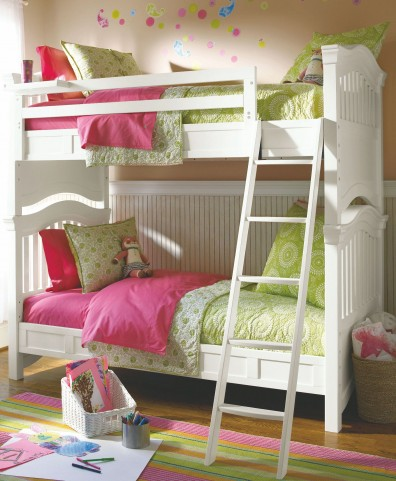 Classics 4.0 Smartstuff Saddle Summer White Twin Over Full Bunk Bed