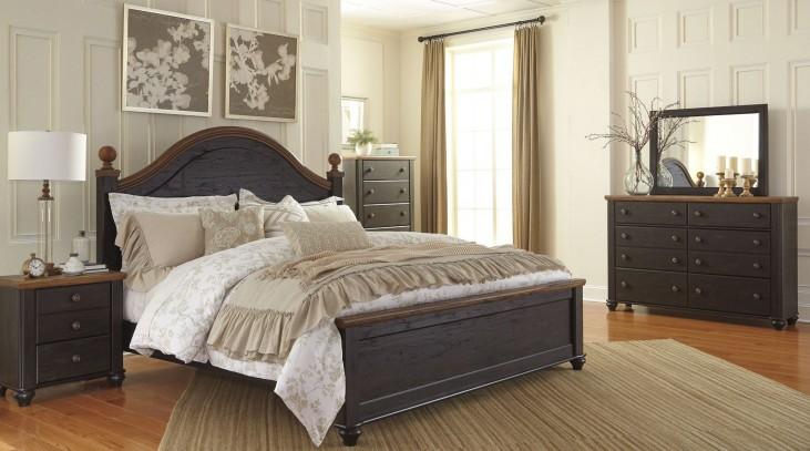 Maxington Black and Reddish Brown Panel Bedroom Set
