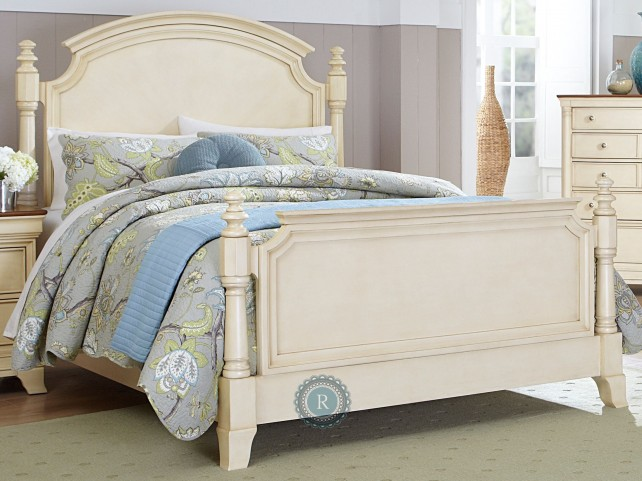 Inglewood White Cal. King Poster Bed
