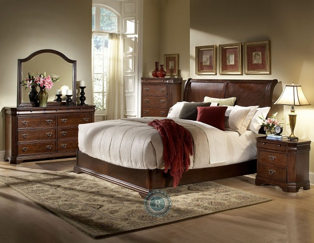 Karla Sleigh Bedroom Set
