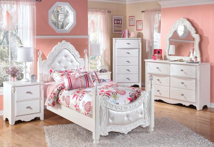 Exquisite Trundle Poster Bedroom Set