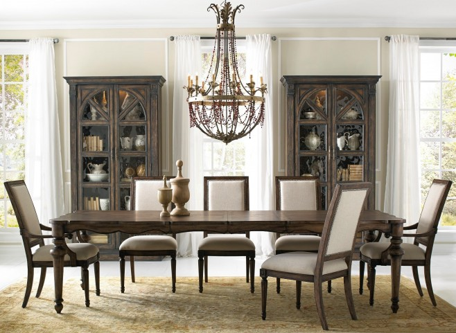 Accentrics Lucia Leg Extendable Dining Room Set