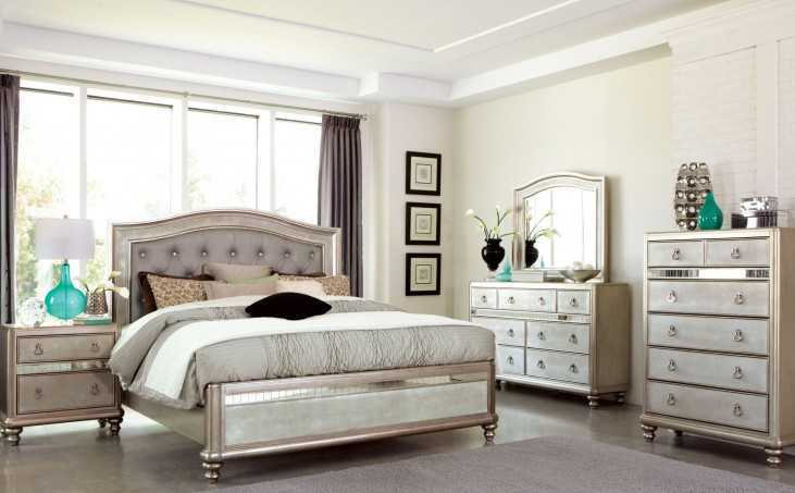 Bling Game Metallic Platinum Panel Bedroom Set