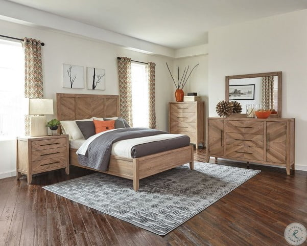 Auburn White Washed Natural Panel Bedroom Set