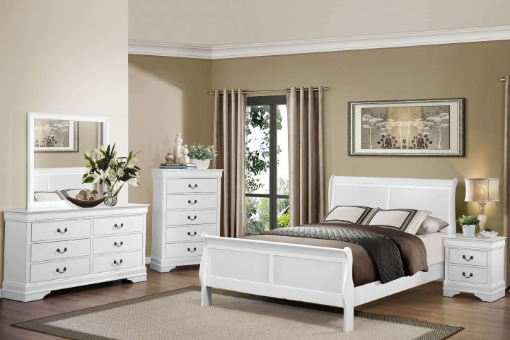 Mayville Burnished White Sleigh Bedroom Set