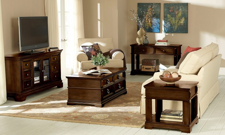 Charleston Rich Tobacco Occasional Table Set