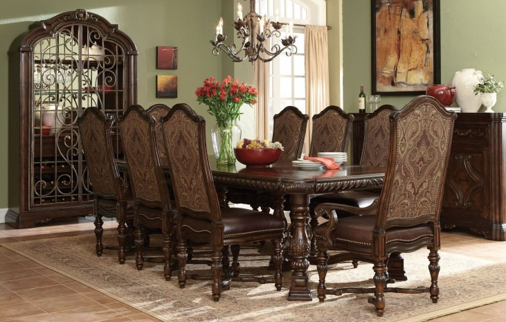 Valencia Trestle Extendable Dining Room Set