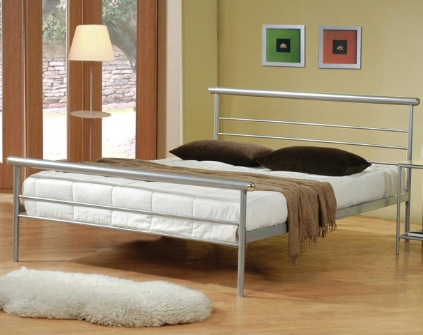 Stoney Creek Silvers Queen Iron Bed