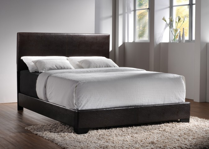 Conner Dark Brown Queen Platform Bed