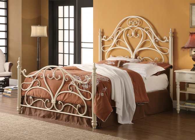 Iron Queen Bed in Egg Shell Finish
