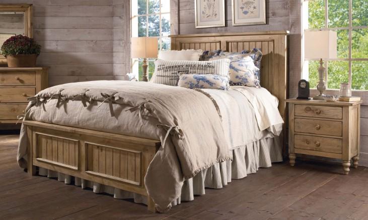 Homecoming Vintage Pine Panel Bedroom Set