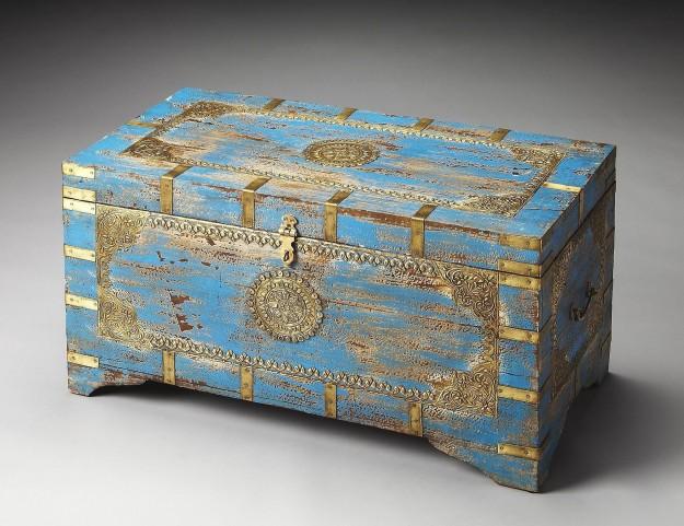 Neela Artifacts Storage Trunk