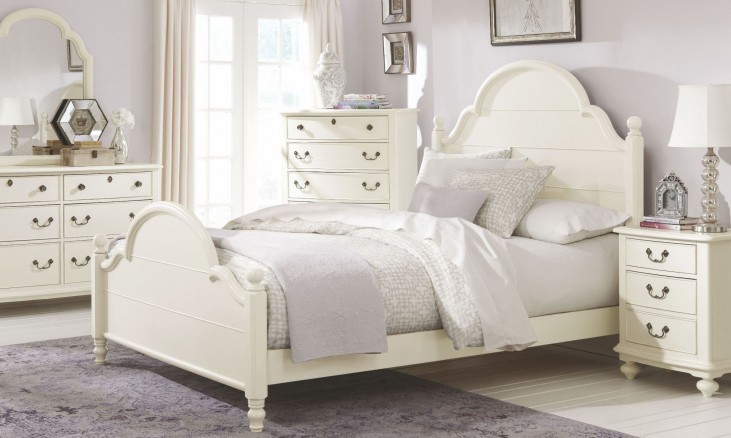Inspirations Seashell White Youth Westport Low Poster Bedroom Set