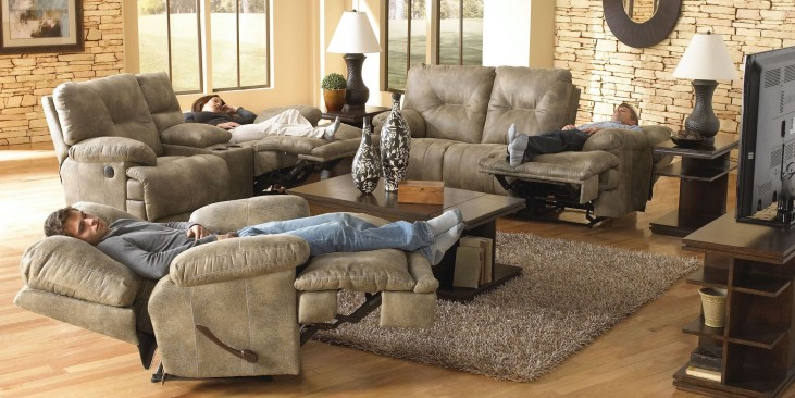 Voyager Brandy Reclining Living Room Set