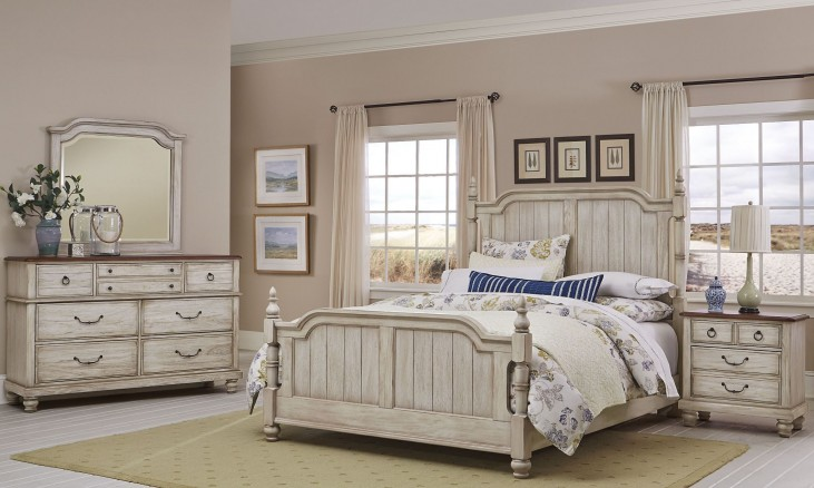 Arrendelle Rustic White and Cherry Poster Bedroom Set