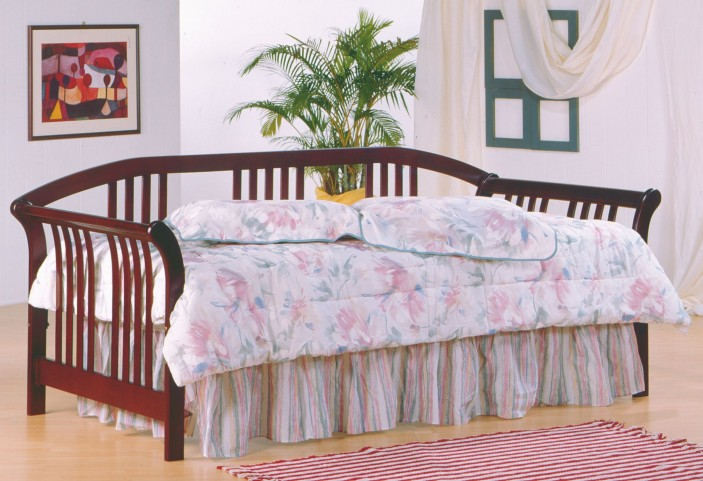Magna Cherry Daybed With Link Spring
