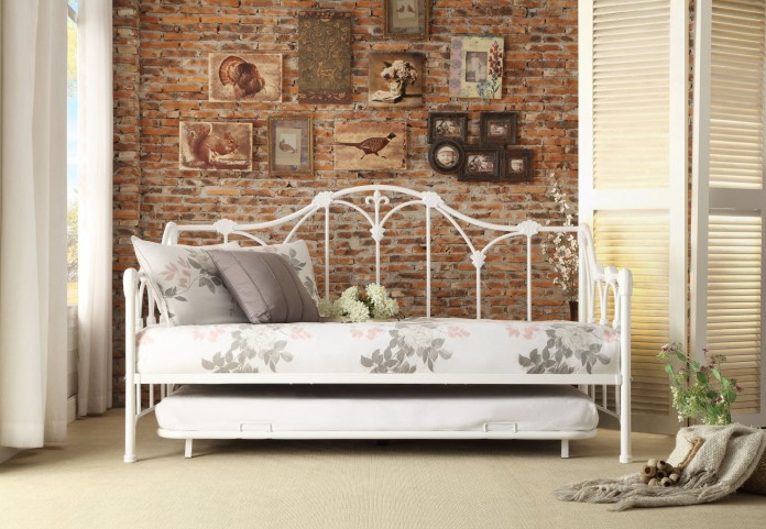 Ruby White Metal Daybed With Trundle
