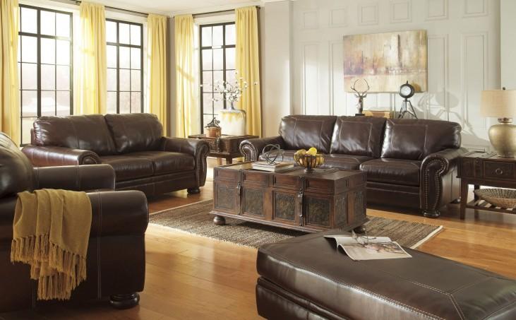 Banner Coffee Living Room Set