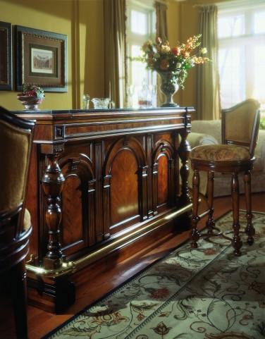 Carlton Manor Bar Set