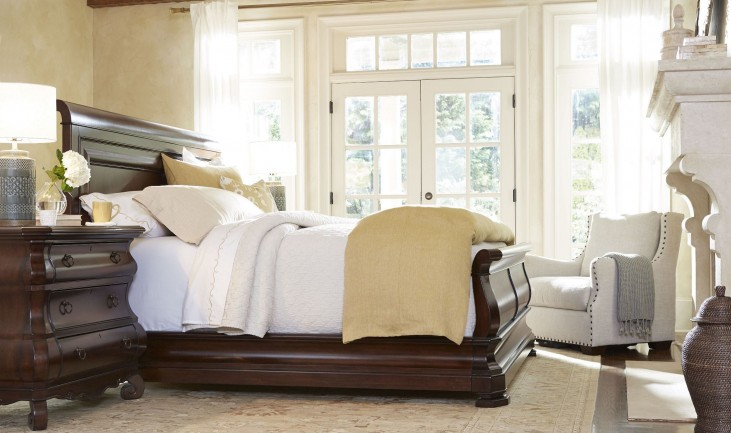 Reprise Classical Cherry Sleigh Bedroom Set