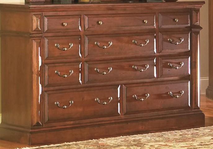Torreon Antique Pine Drawer Dresser