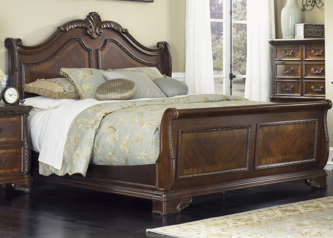 Highland Court King Sleigh Bed