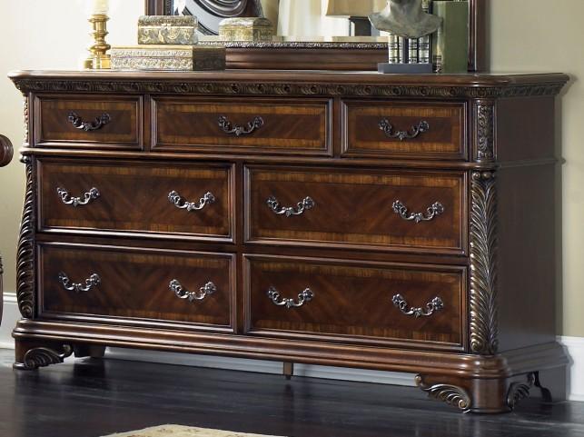 Highland Court 7 Drawer Dresser