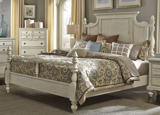 High Country White Queen Poster Bed