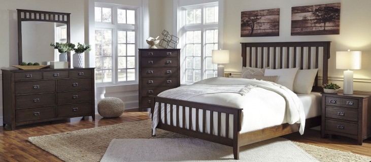 Strenton Panel Bedroom Set