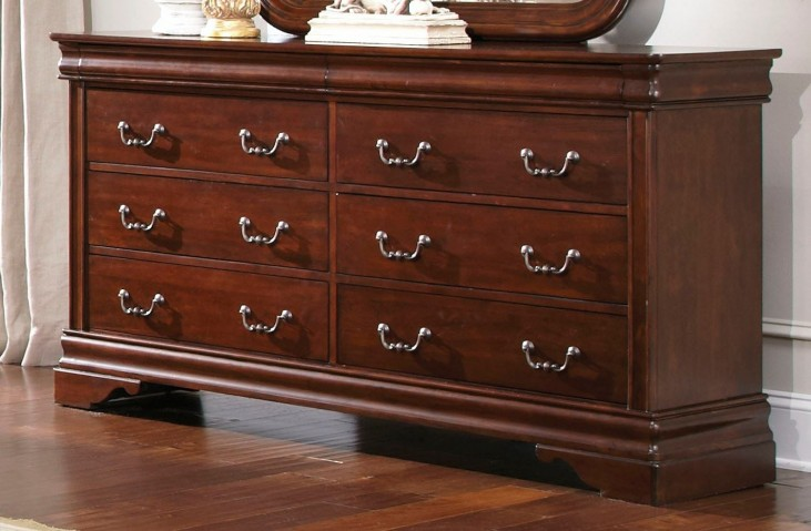 Carriage Court 8 Drawer Dresser