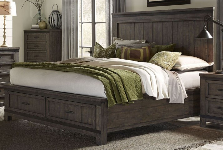 Thornwood Hills Rock Beaten Gray Queen Panel Footboard Storage Bed